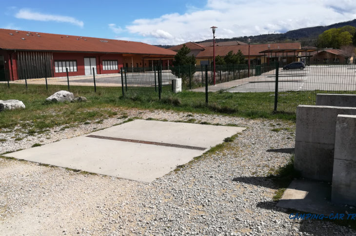 aire services camping car Izernore Ain