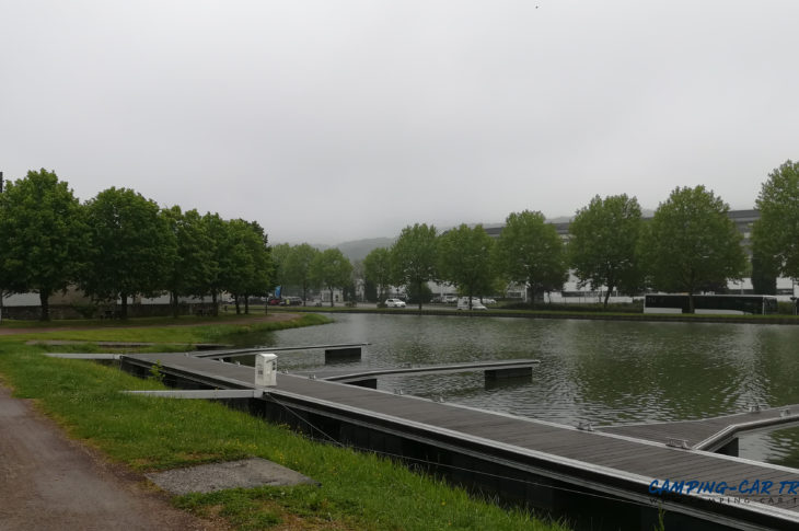 aire stationnement camping car Montbard Côte-d'Or