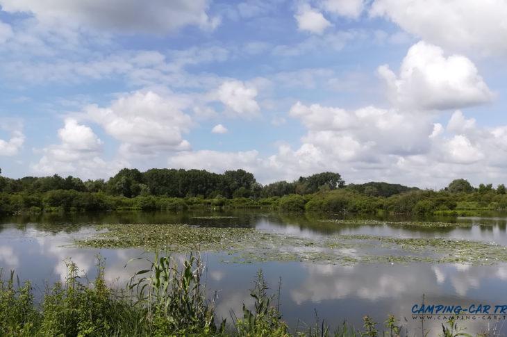 stationnement gratuit étang Saint-Ladre à Boves dans la Somme
