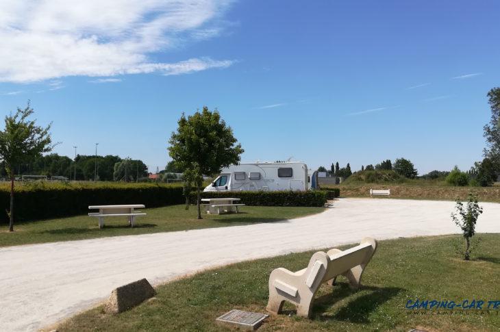 aire de services camping car de Richebourg dans le Pas-de-Calais