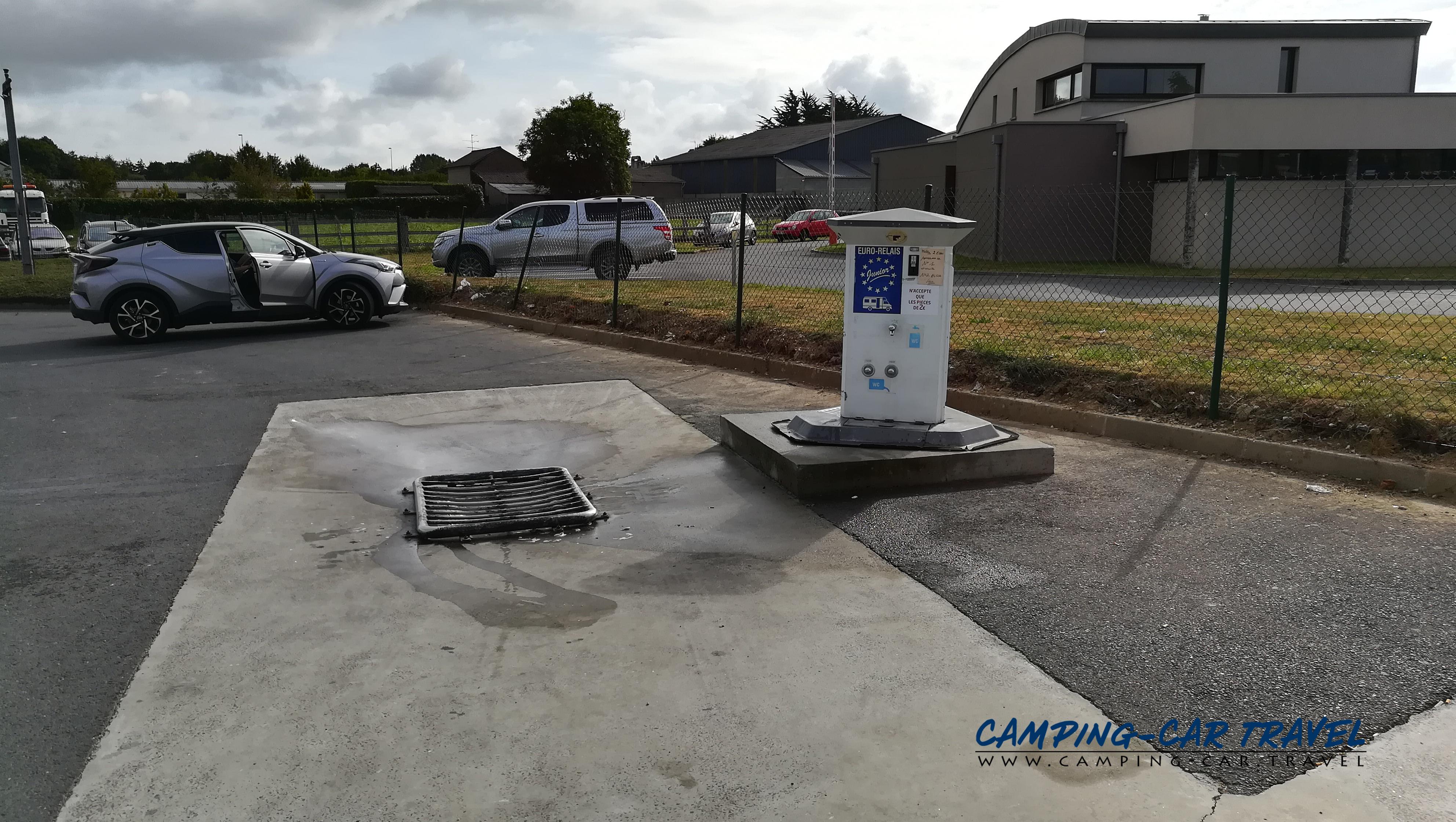 aire services camping cars Sainte-Mère-Eglise Manche Normandie