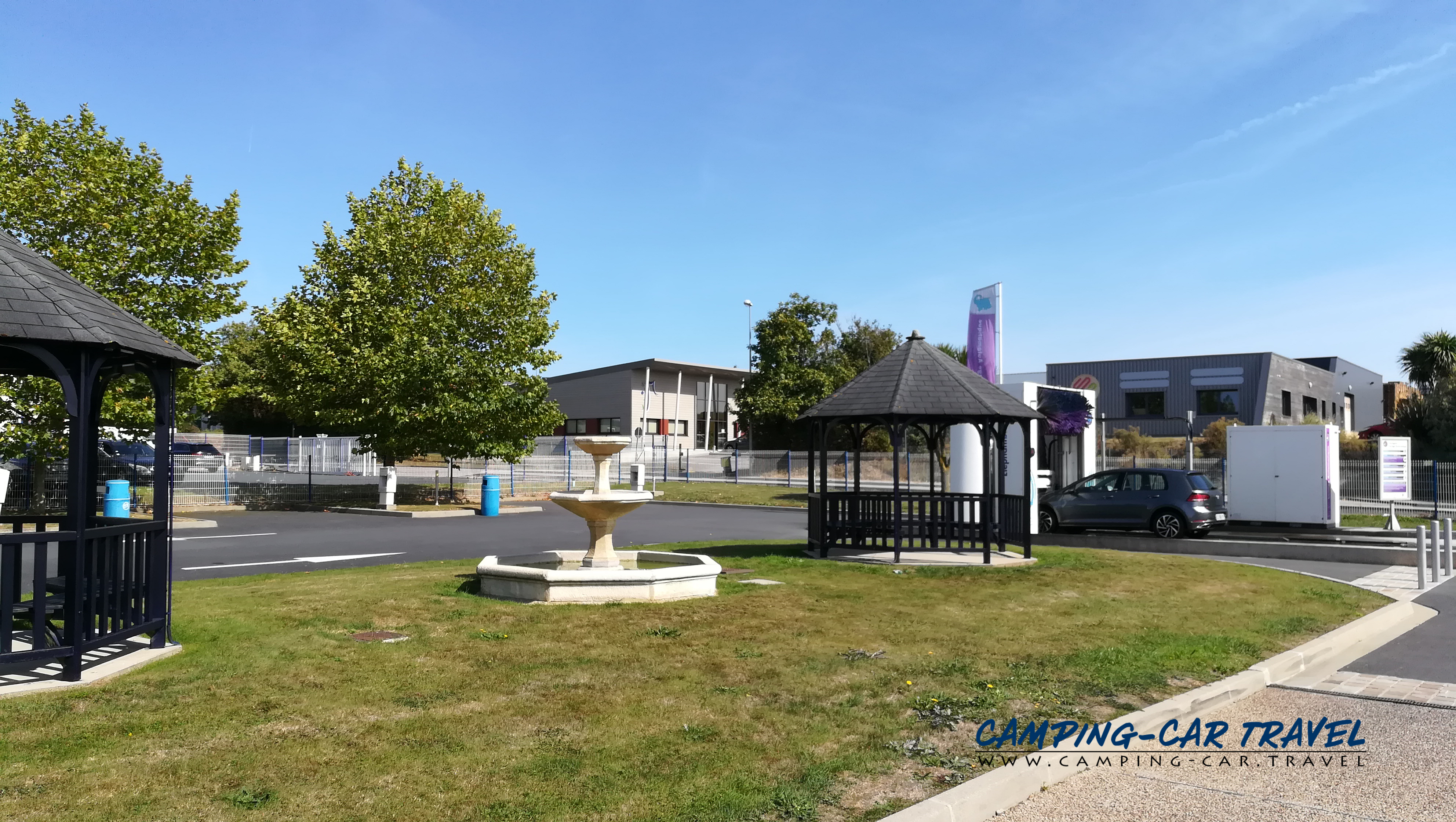 aire services camping car Valognes Manche Normandie