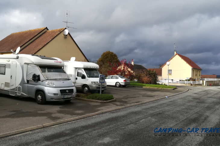 aire services camping car Saint-Mars-d'Egrenne Orne Normandie