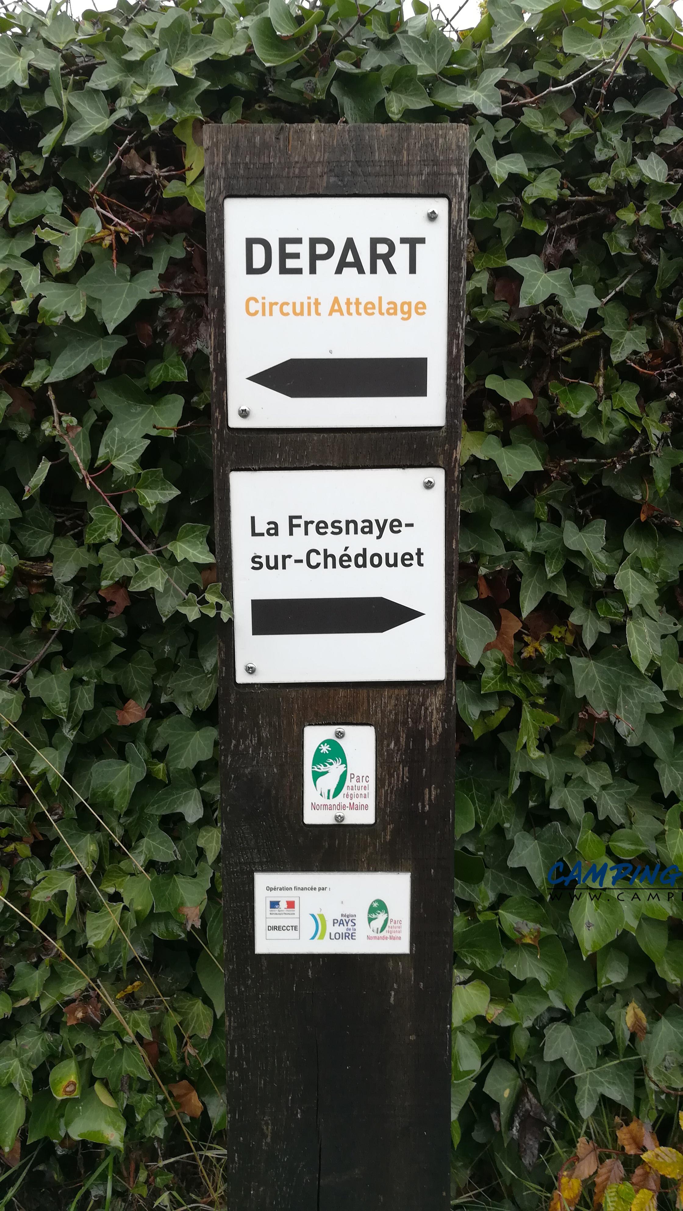 aire services camping car Villeneuve-en-Perseigne Sarthe Pays-de-la-Loire