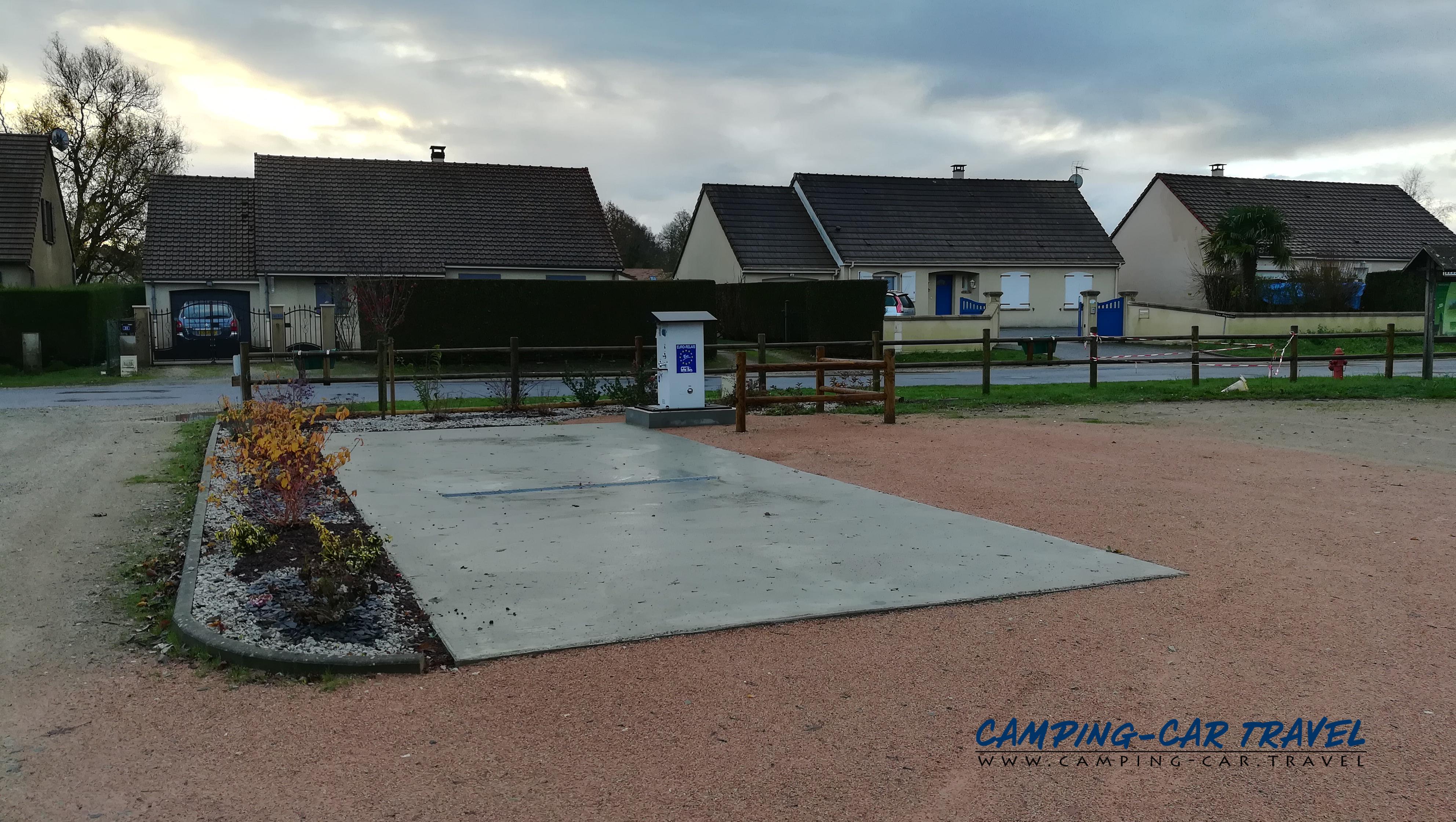 aire services camping car Briosne-lès-Sables Sarthe Pays-de-la-Loire