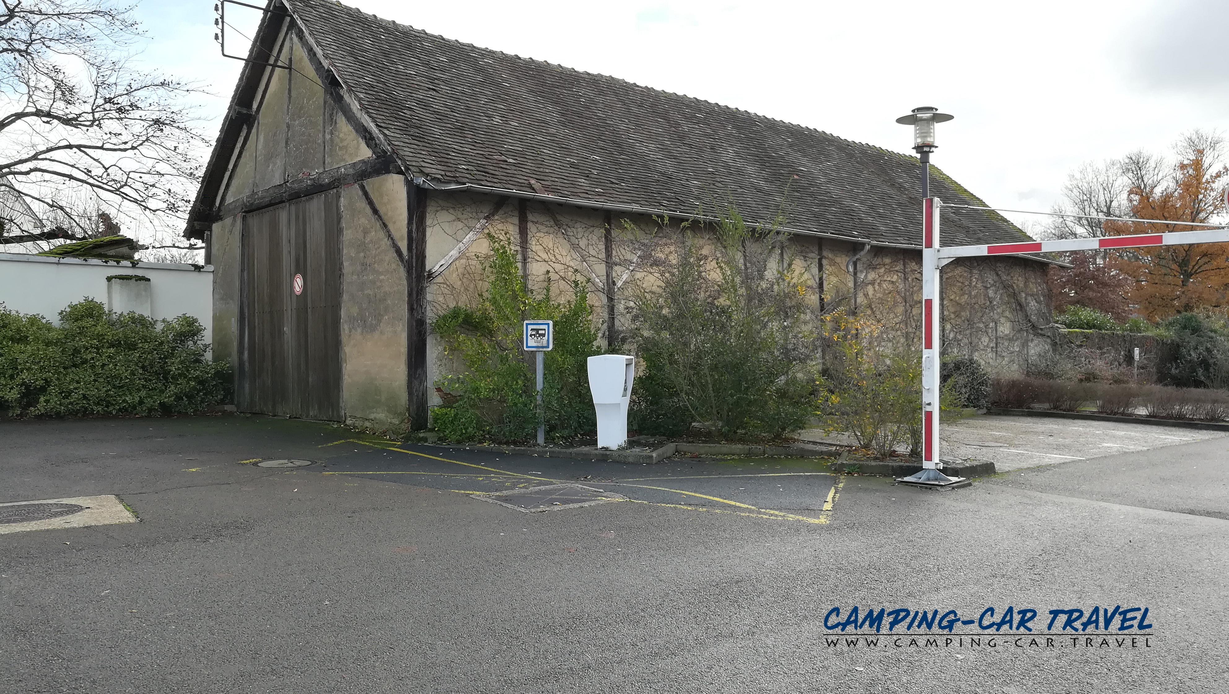 aire services camping car Arnage Sarthe Pays-de-la-Loire