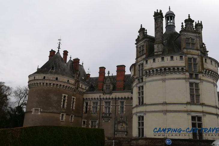 aire services camping car Le Lude Sarthe Pays-de-la-Loire