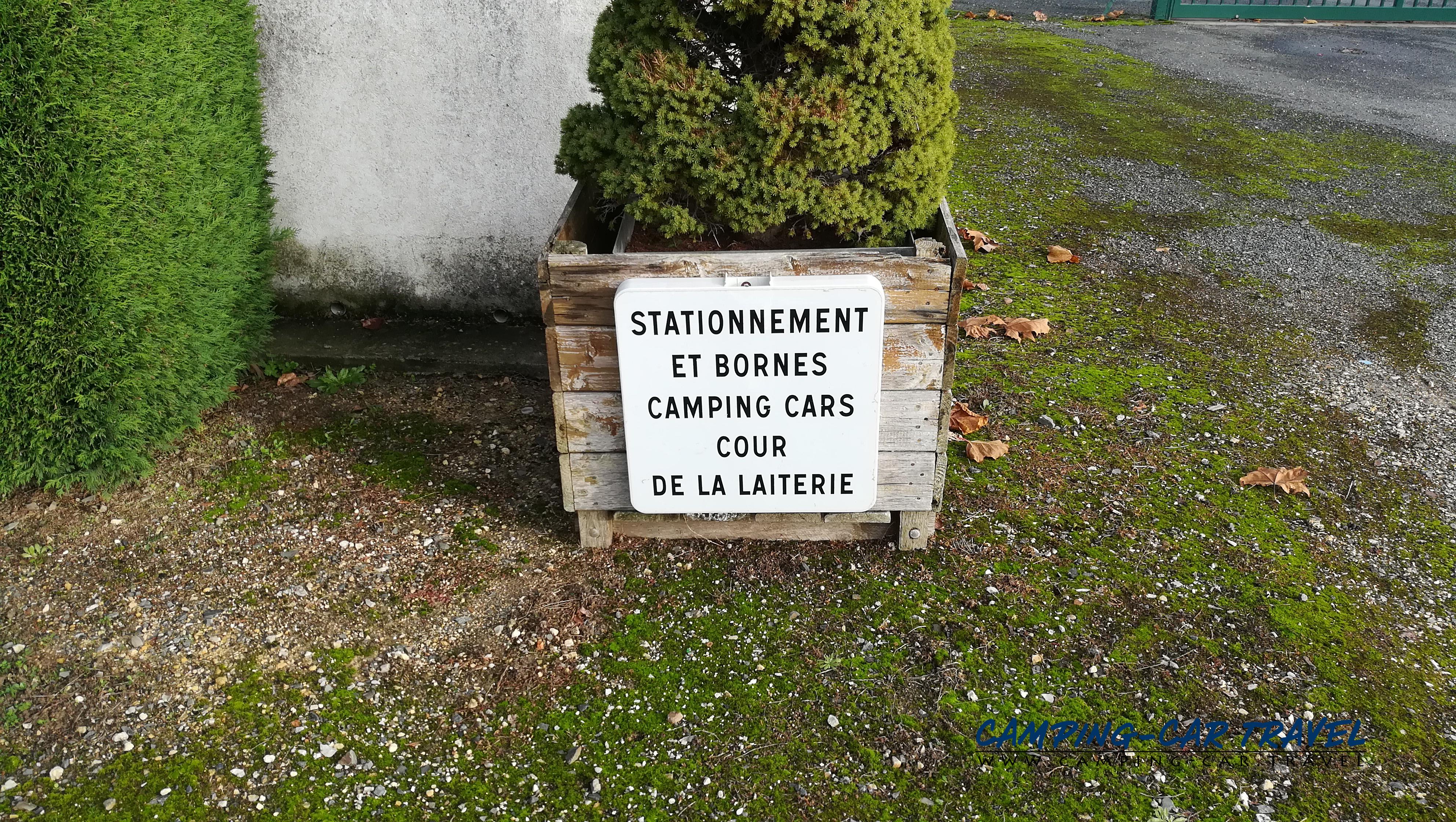 aire services camping car Saint-Clément-des-Levées Maine-et-Loire Pays-de-la-Loire
