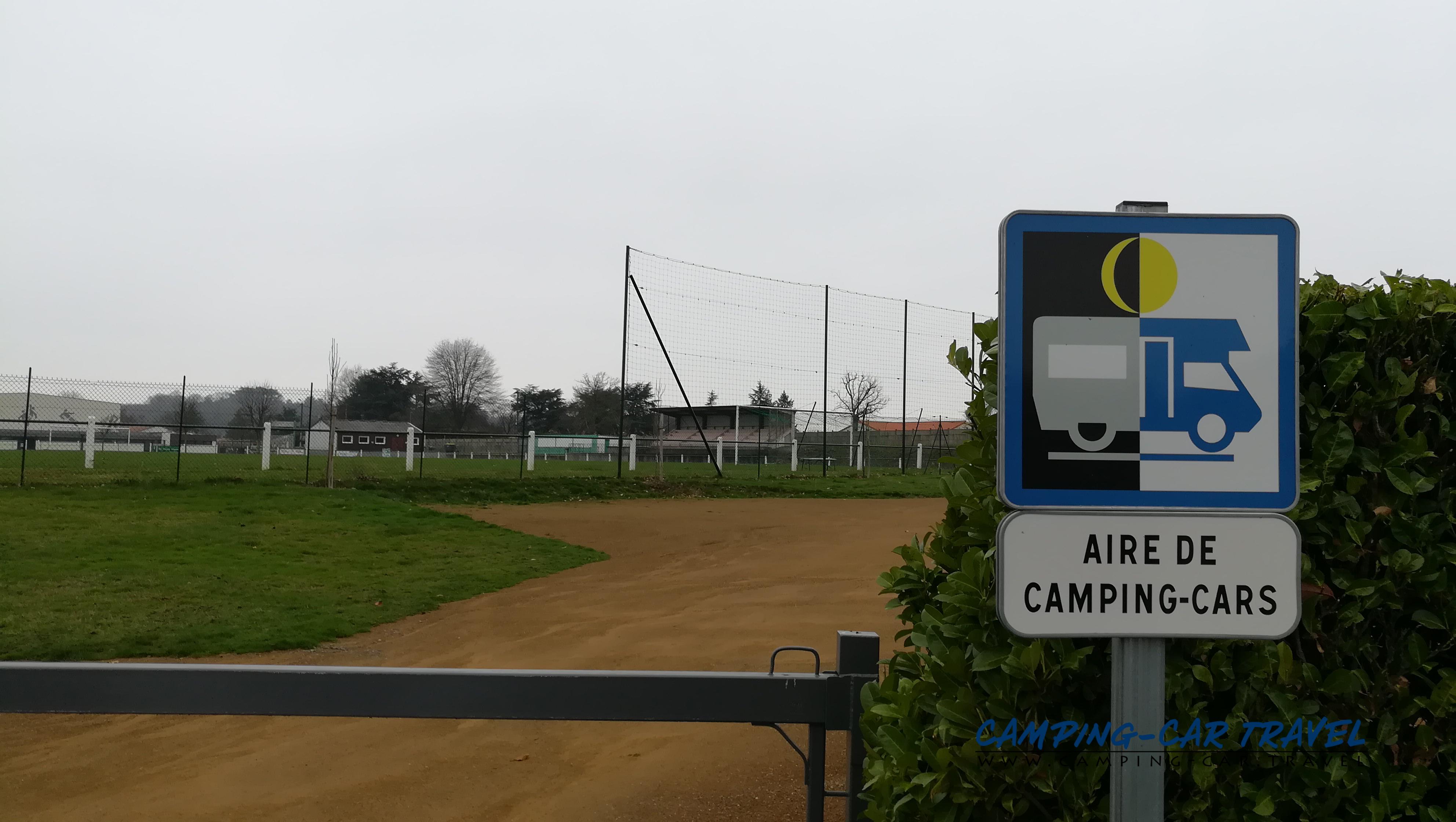 aire services camping car Mauléon Deux-Sèvres Aquitaine