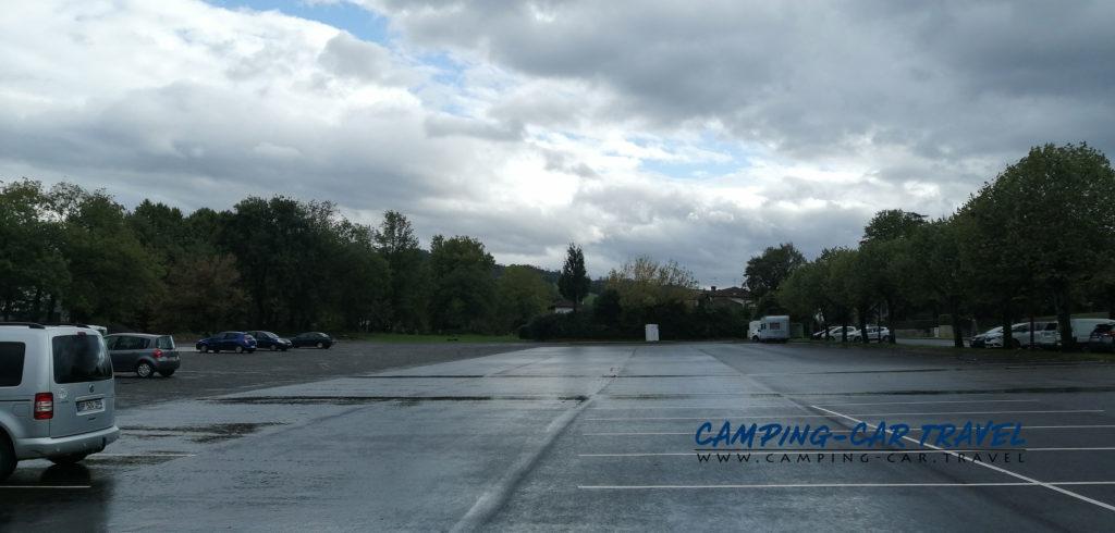 aire de services camping car Saint Palais Pyrénées Atlantiques France