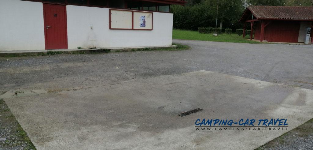 aire de services camping cars Saint Jean Pied de Port Pyrénées Atlantiques